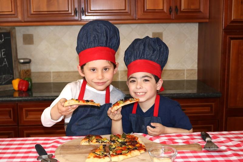 veggie pizza kids eating