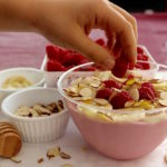 1Raspberry Smoothie Bowl with berry