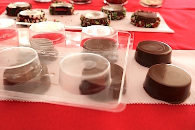 holiday chocolate covered Oreos out of mold