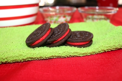 winter Oreo cookies with red creme