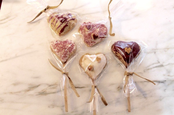 blueberry heart pie pop gift