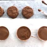 making fall chocolate dipped oreos