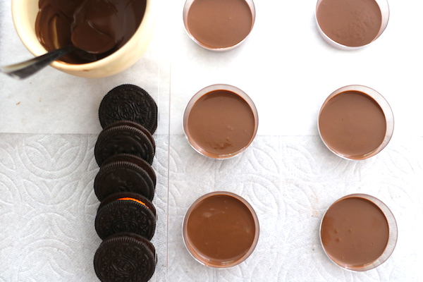 melted chocolate with oreo mold