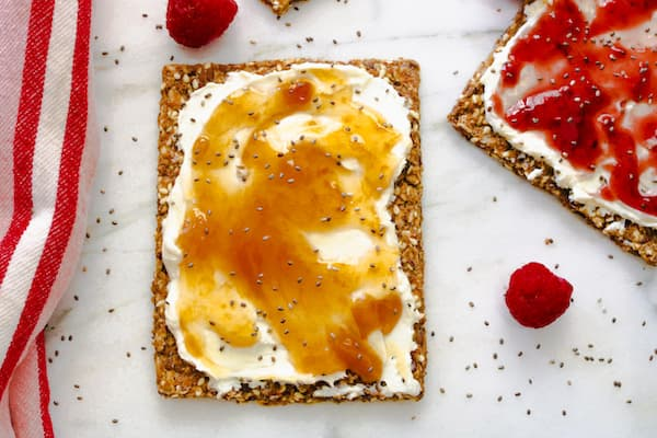 cream cheese snacks with apricot preserves