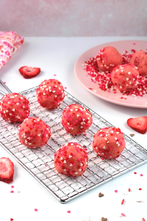 valentines cake balls on rack