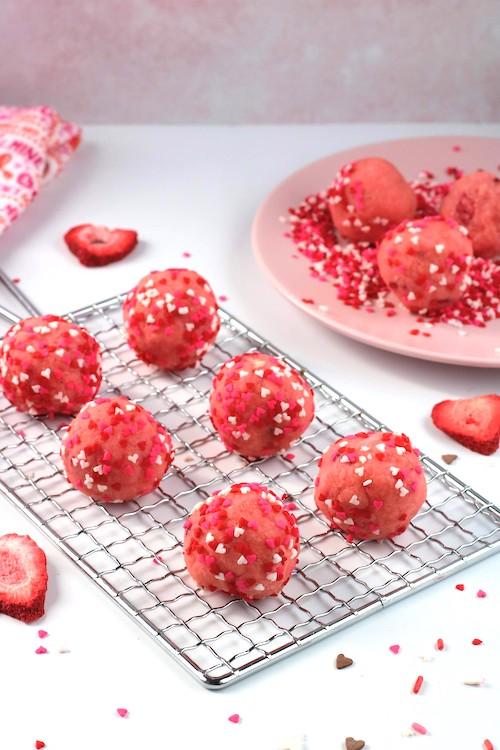 valentines cake balls on rack