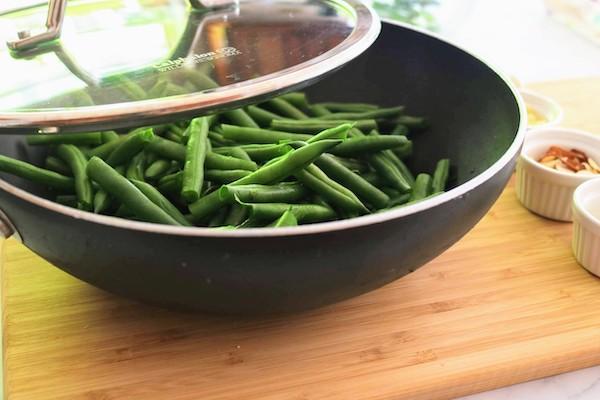 green beans in wok