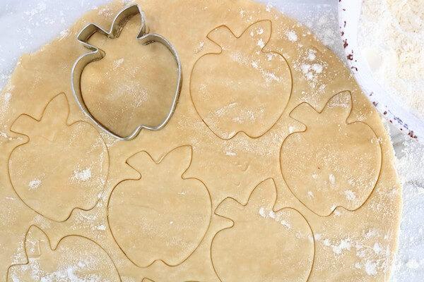 apple cookie cutter in pie dough