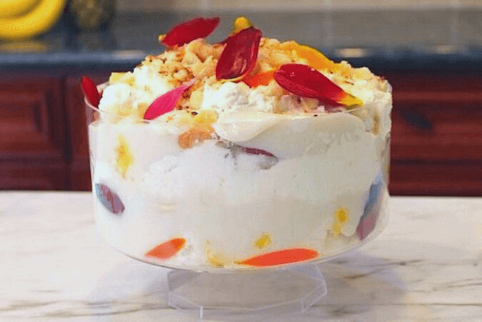 hawaiian trifle with pineapple and coconut